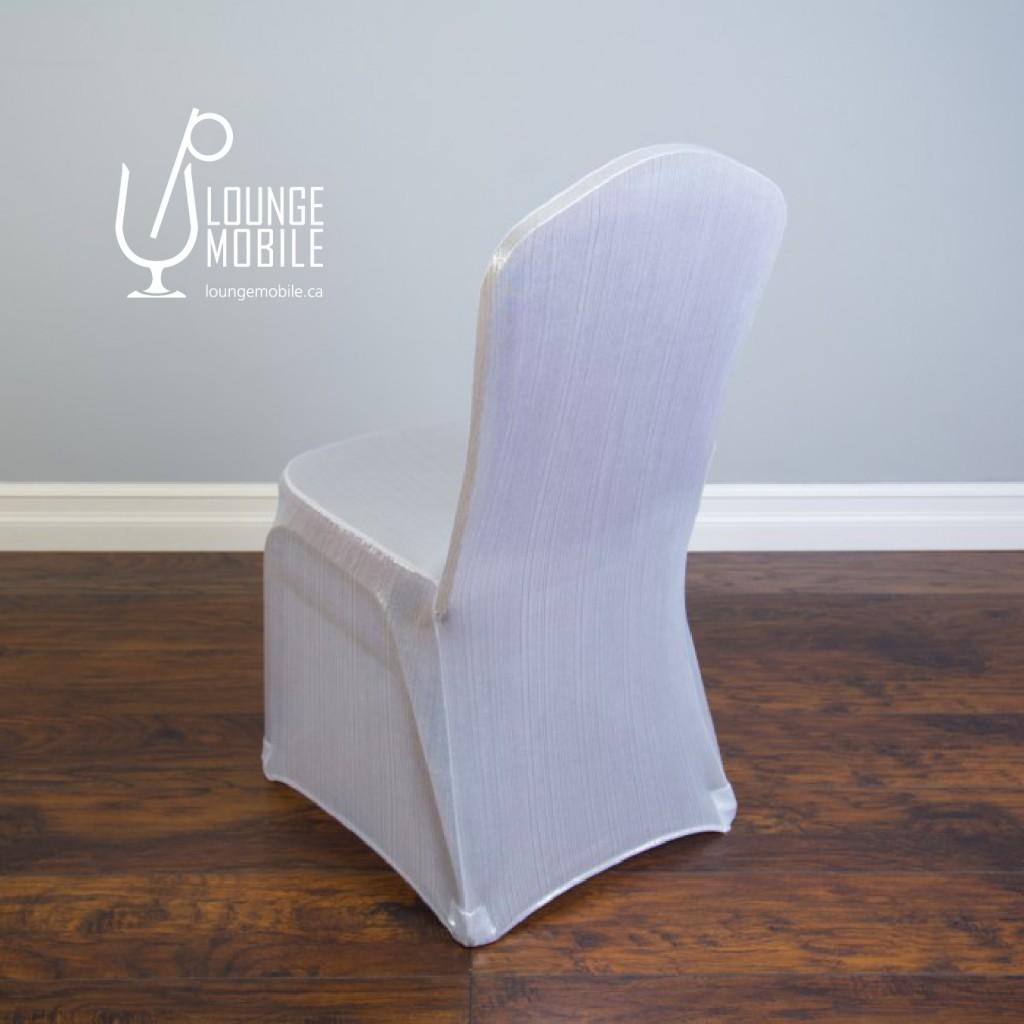 housse de chaise lustr e blanche housses de chaises les productions c l brason site officiel. Black Bedroom Furniture Sets. Home Design Ideas