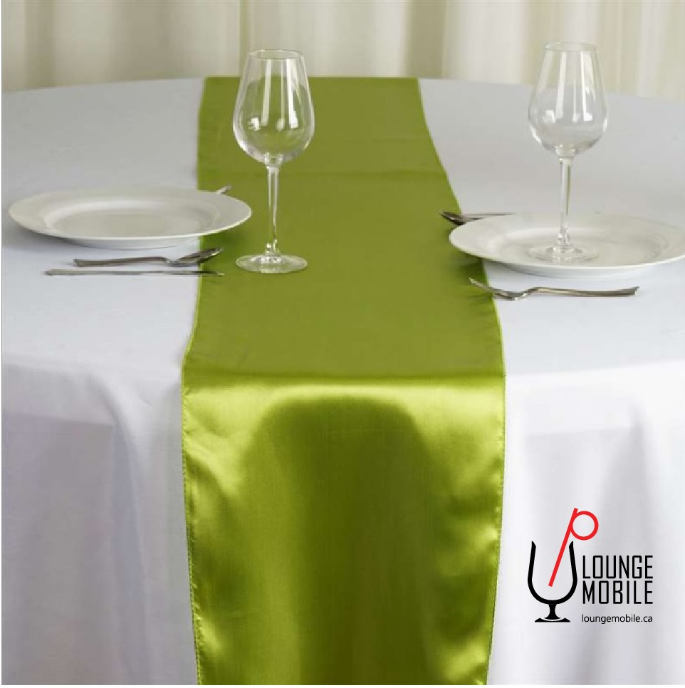 Chemin de table satin vert gris sauge fonc chemins de table les productions c l brason - Chemin de table vert d eau ...